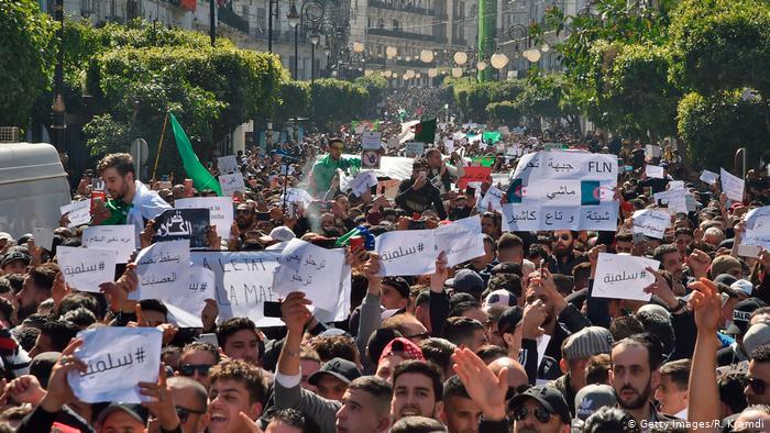 حراك الجزائر يتجه ليصبح أقوى من السابق حسب صحف ألمانية / حسن زنيند – ألمانيا